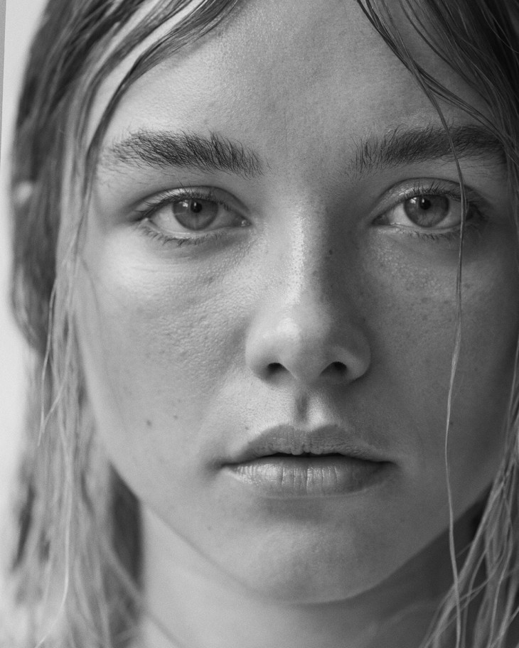 Florence Pugh Loves to Control Her Audience | THE LAST ...